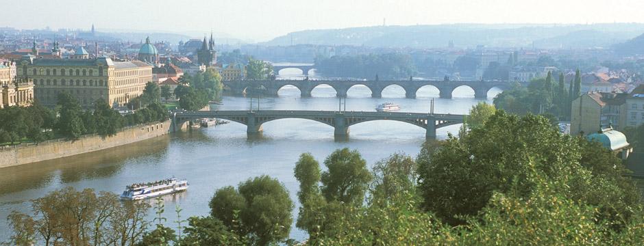 Praga, Viena e Budapeste - sem aéreo