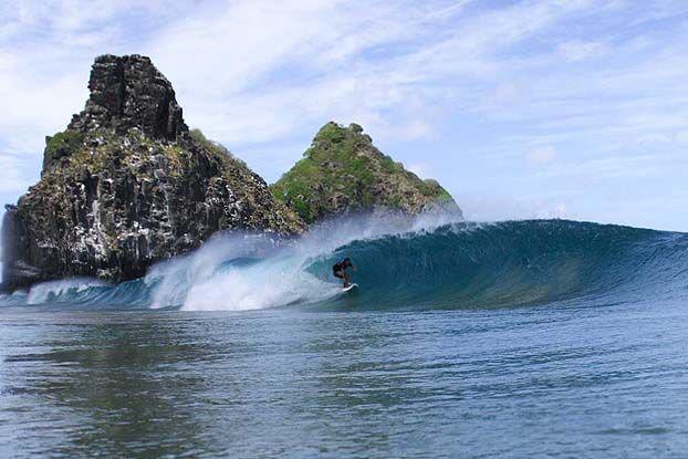 Surf-em-Noronha_luck